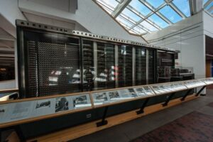 История вычислительных машин Компьютер управления стрельбой Mark I